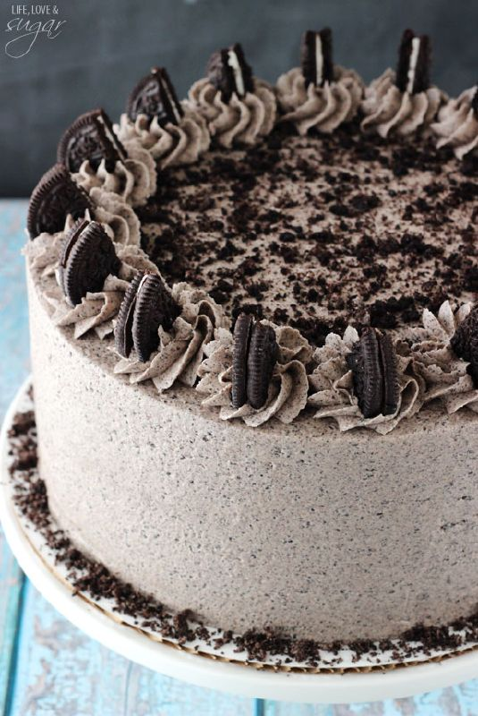 This Chocolate Oreo Cake is to die for! A moist chocolate cake full of Oreo icing! And not just any Oreo icing – it is FULL of crushed up Oreos. An Oreo lover's dream.So you might remember that ...